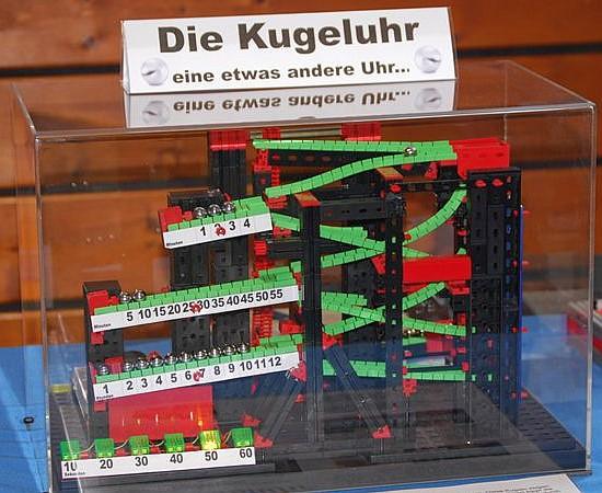 fischertechnik-Kugeluhr von Andreas Tacke